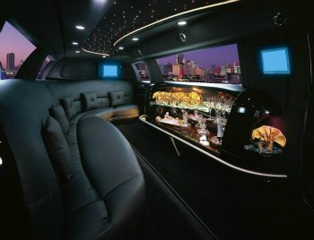 new york limo service luxury and reliable with times square limousine. Black Bedroom Furniture Sets. Home Design Ideas